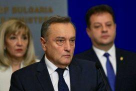 Заради хаоса с е-винетките – и шефът на АПИ подаде оставка.